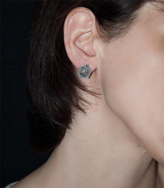 Strieborné náušnice – Minca na uche
