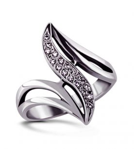 Strieborný prsteň so zirkónom – Guráž