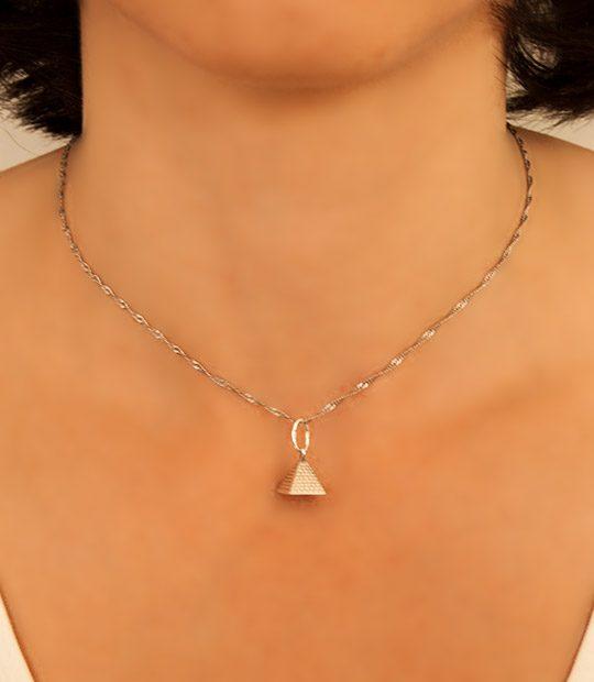 Strieborný prívesok 39016 Pyramída
