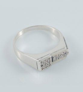 Strieborný prsteň so zirkónmi – Pečať Rio 19074