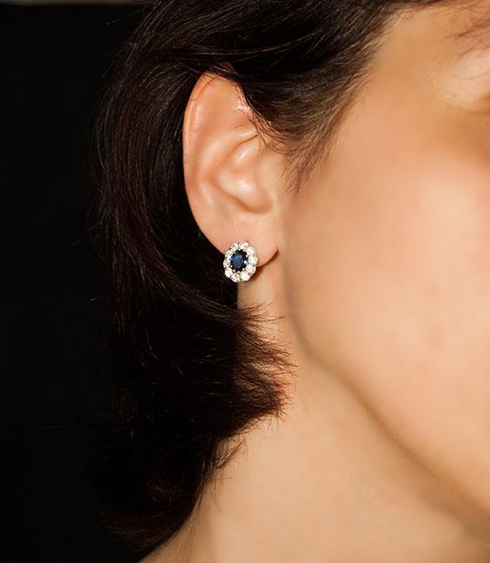 49874b0b3 Strieborné náušnice so zirkónmi - 29090 Jar tmavo-modré ucho