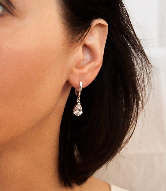 Strieborné náušnice so zirkónmi – Slza na uche